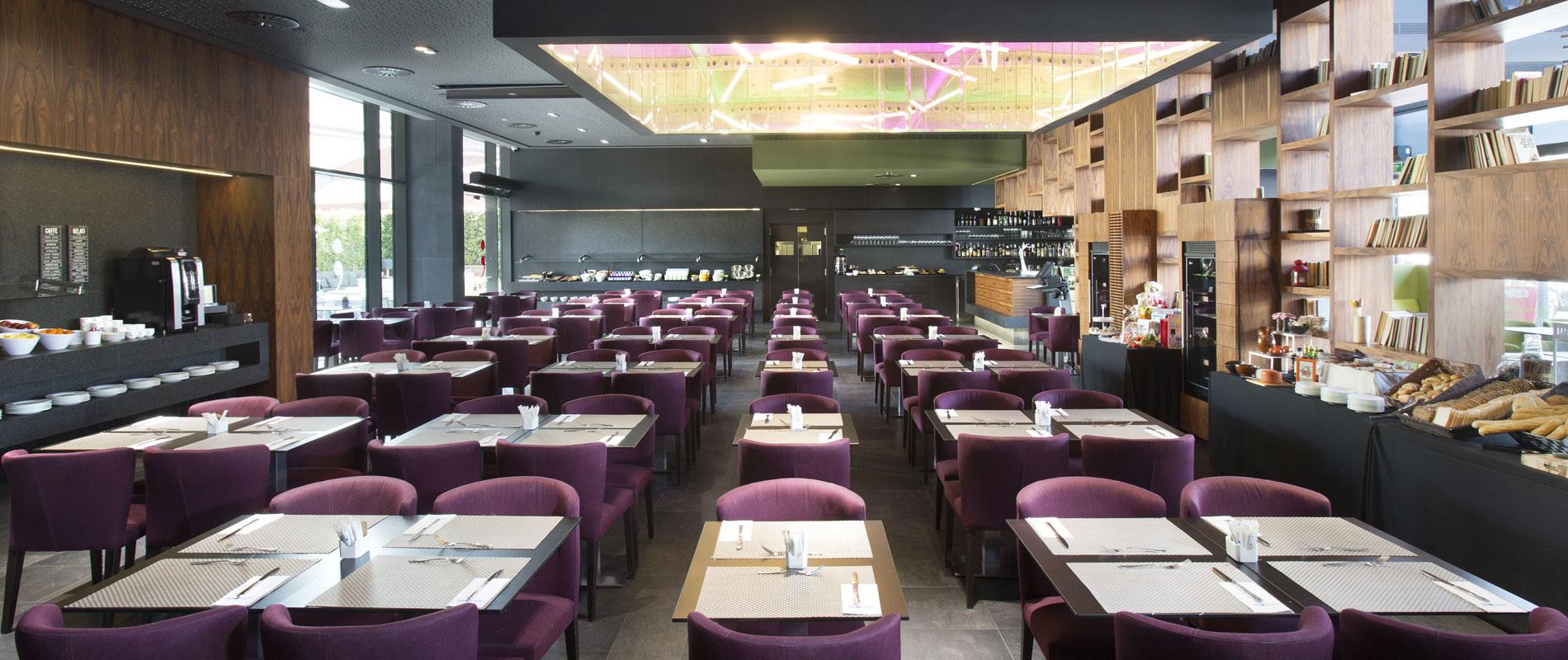Restaurante punt i coma hotel sb plaza europa l 39 hospitalet - Restaurante al punt ...