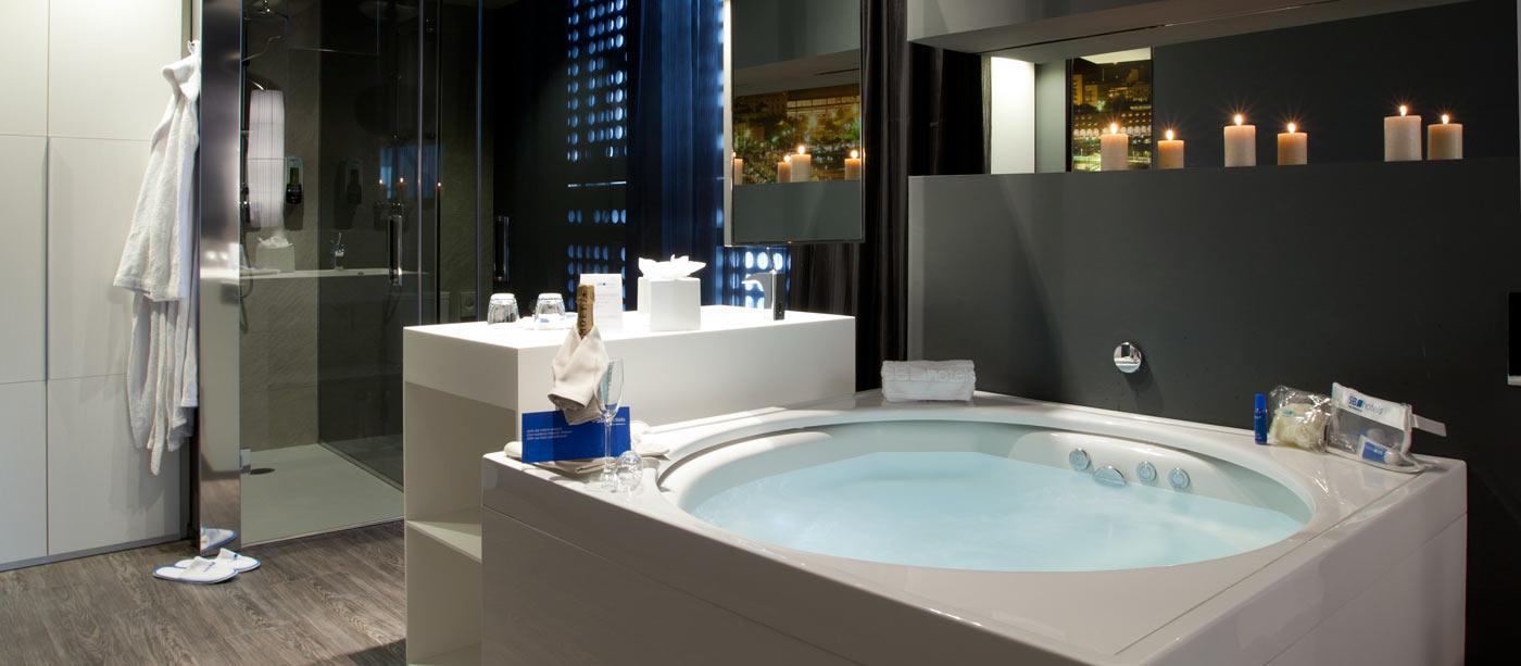 Quelles sont les suites avec jacuzzi les plus belles de barcelone ?
